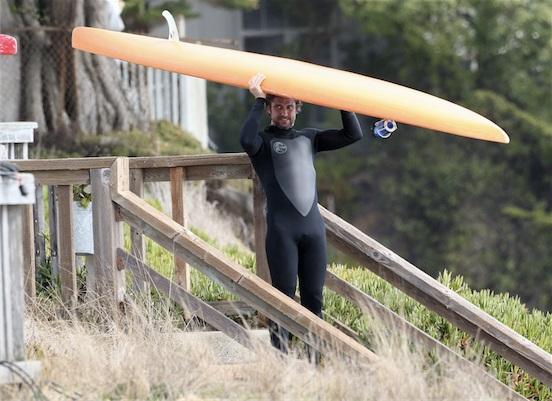 Gerard-Butler-Paddleboarding-For-Mavericks-Movie.jpg