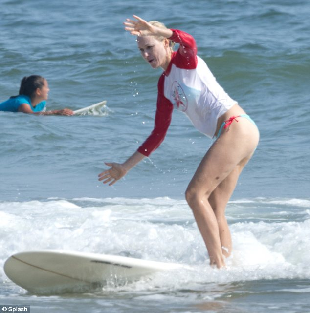 NAOMI WATTS SURFING 4