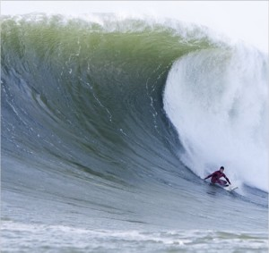 via mark healy Putting on the breaks at #Mavericks photo by fred_pompermayer