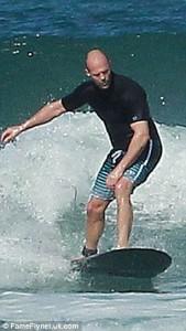 Jason Statham Surfing 4