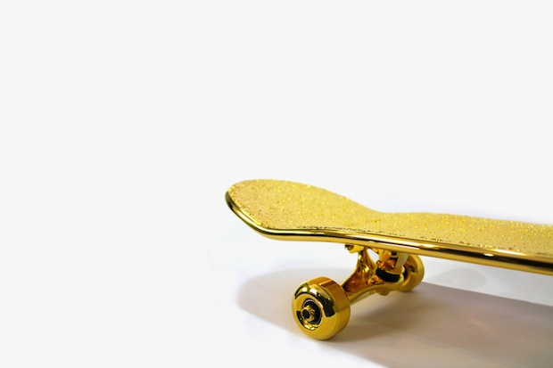 shut-nyc-gold-plated-skateboard-2
